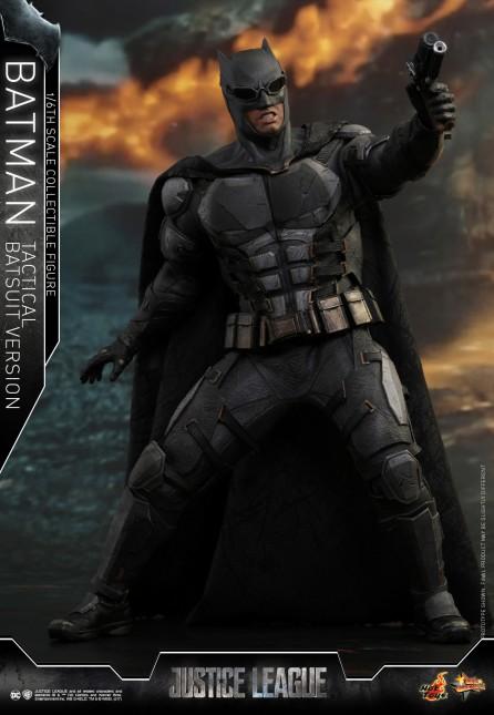 Hot Toys 1/6th Scale MMS432 Justice League Batman (Tactical Batsuit Version) Collectible Figure