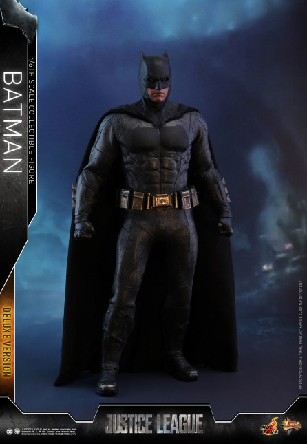 Hot Toys 1/6th Scale MMS456 Justice League Batman (Deluxe Version) Collectible Figure