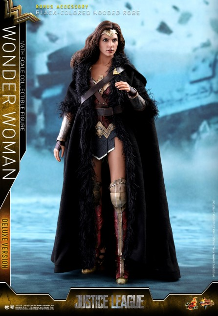 Hot Toys 1/6th Scale MMS451 Justice League Wonder Woman (Deluxe Version) Collectible Figure