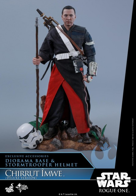 Hot Toys 1/6th Scale MMS403 Rogue One: A Star Wars Story Chirrut Îmwe Figure (Deluxe Version)