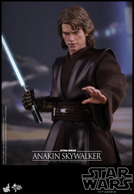 Hot Toys 1/6th Scale MMS437 Star War Episode III: Revenge of the Sith Anakin Skywalker Figure