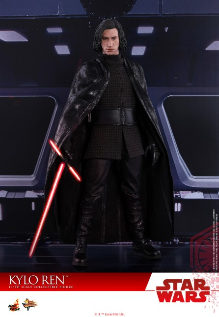 Hot Toys 1/6th Scale MMS438 Star Wars: The Last Jedi Kylo Ren Figure