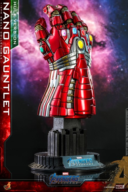 Hot Toys 1/4th Scale ACS009 Avengers: Endgame Nano Gauntlet (Hulk Version) Collectible