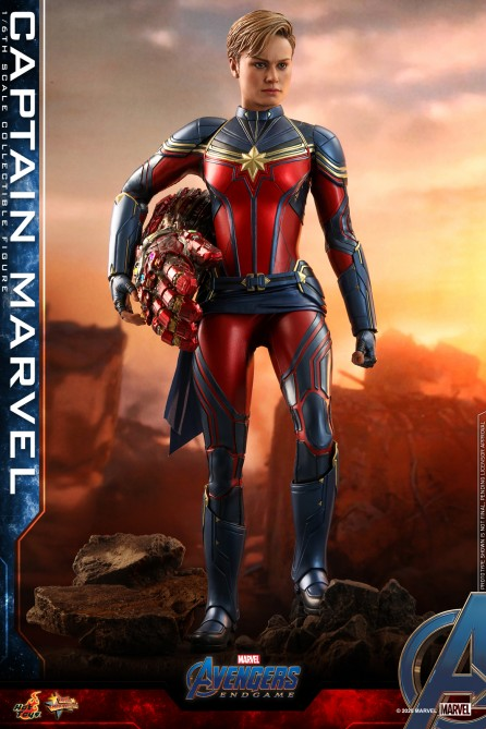 Hot Toys 1/6th Scale MMS575 Avengers: Endgame Captain Marvel Collectible Figure