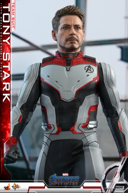 Hot Toys 1/6th Scale MMS537 Avengers: Endgame Tony Stark (Team Suit) Collectible Figure