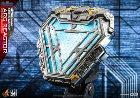 Hot Toys LMS010 Avengers: Endgame Iron Man Mark LXXXV Arc Reactor Collectible