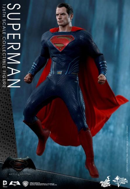 Hot Toys 1/6th Scale Batman v Superman: Dawn of Justice Superman Figure