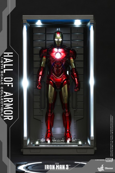 Hot Toys 1/6th Scale DS001 Iron Man 3 Hall of Armor Collectible