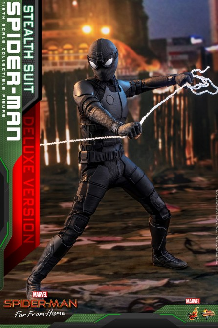 Hot Toys 1/6th Scale MMS541 Spider-Man: Far From Home Spider-Man (Stealth Suit) Collectible Figure (Deluxe Version)