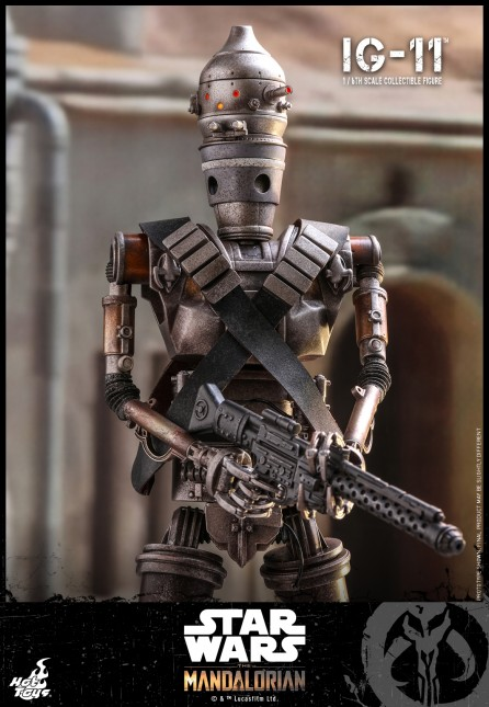 Hot Toys 1/6th Scale TMS008 The Mandalorian: IG-11 Collectible Figure