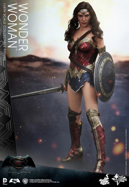 Hot Toys 1/6th Scale MMS359 Batman v Superman: Dawn of Justice Wonder Woman Collectible Figure