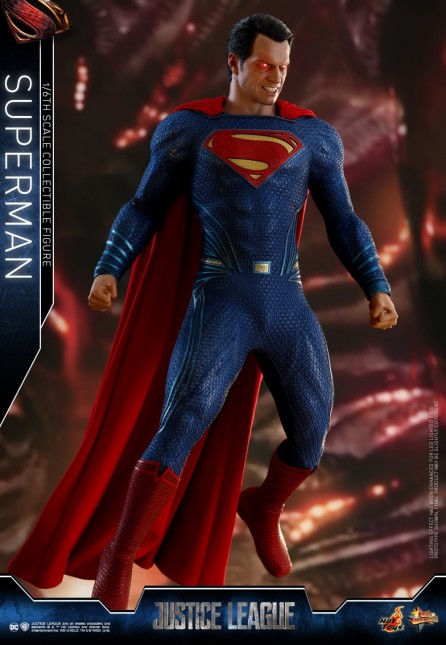 Hot Toys 1/6th Scale MMS465 Justice League Superman Collectible Figure