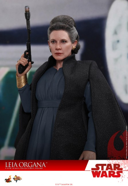 Hot Toys 1/6th Scale MMS459 Star Wars: The Last Jedi Leia Organa Collectible Figure