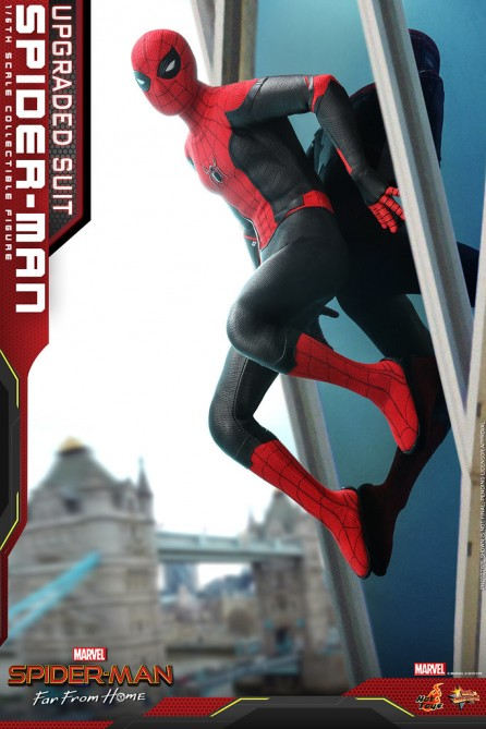 Hot Toys 1/6th Scale MMS542 Spider-Man: Far From Home Spider-Man (Upgraded Suit) Collectible Figure