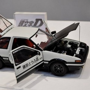 "AutoArt 1:18 Scale Toyota Sprinter Trueno (AE86) Initial D ""Project D Version"""