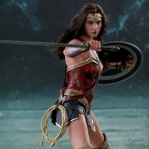 Hot Toys 1/6th Scale MMS450 Justice League Wonder Woman Collectible Figure