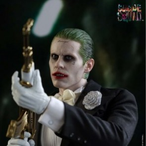 Hot Toys 1/6th Scale MMS395 Suicide Squad The Joker (Tuxedo Version) Figure