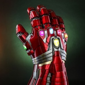 Hot Toys LMS008 Avengers: Endgame Nano Gauntlet Life-Size Collectible (Hulk Version)