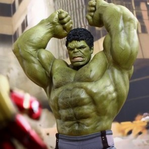 Hot Toys 1/6th Scale Avengers Age of Ultron Hulk Deluxe Figure