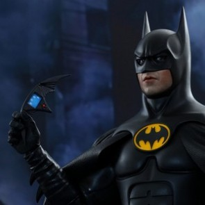 Hot Toys 1/6th Scale Batman Returns Batman Collectible Figure