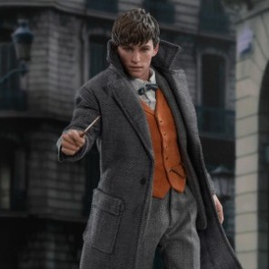 Hot Toys 1/6th Scale MMS512 Fantastic Beasts: The Crimes of Grindelwald Newt Scamander Figure