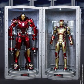 Hot Toys 1/6th Scale Iron Man 3 Hall of Armor (House Party Protocol Version) Collectible Set