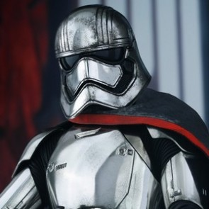 Hot Toys 1/6th Scale Star Wars The Force Awakens Captain Phasma