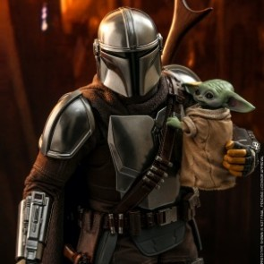 Hot Toys 1/6th Scale TMS014 The Mandalorian : The Mandalorian and The Child Collectible Set