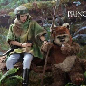 Hot Toys 1/6th Scale MMS551 Star Wars: Return of the Jedi Princess Leia and Wicket Collectible Set