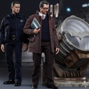 Hot Toys 1/6th Scale Dark Knight Rises John Blake and Jim Gordon with Bat-Signal Collectible Set