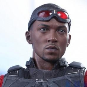 Hot Toys 1/6th Scale MMS361 Captain America: Civil War Falcon Figure