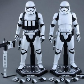 Hot Toys 1/6th Scale Star Wars: The Force Awakens First Order Stormtrooper Collectible Set