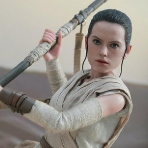 Hot Toys 1/6th Scale Star Wars The Force Awakens Rey Figure