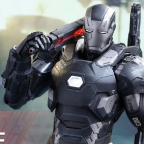 Hot Toys 1/6th Scale Captain America Civil War: War Machine Mark III Figure