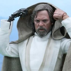 Hot Toys 1/6th Scale MMS390 Star Wars: The Force Awakens Luke Skywalker Figure