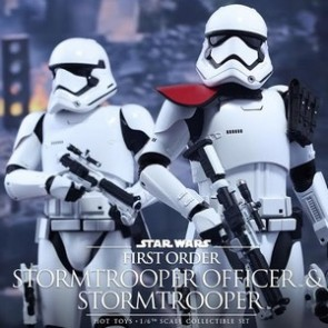 Hot Toys 1/6th Scale Star Wars First Order Stormtrooper Officer + Stormtrooper Figures Set