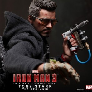 Hot Toys 1/6th Scale MMS209 Tony Stark (The Mechanic) Collectible Figure
