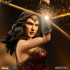 Mezco Toyz One:12 Collective Wonder Woman Figure