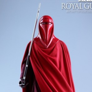 Hot Toys 1/6th Scale MMS469 Star Wars: Episode VI Return of the Jedi Royal Guard Collectible Figure