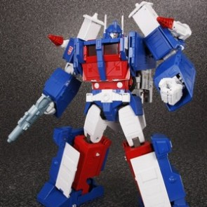 Takaratomy Transformers Masterpiece MP-22 Ultra Magnus with Trailer (Reissue)